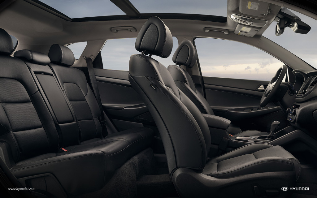 The five available seats inside of the 2016 Hyundai Tucson