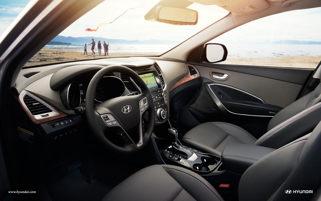 Interior and dashboard of the 2017 Hyundai Santa Fe